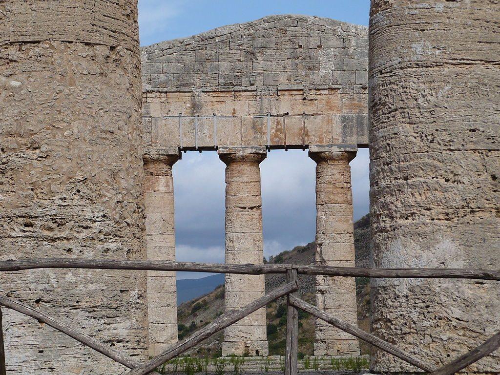 Longitudinal view of Segesta Temple